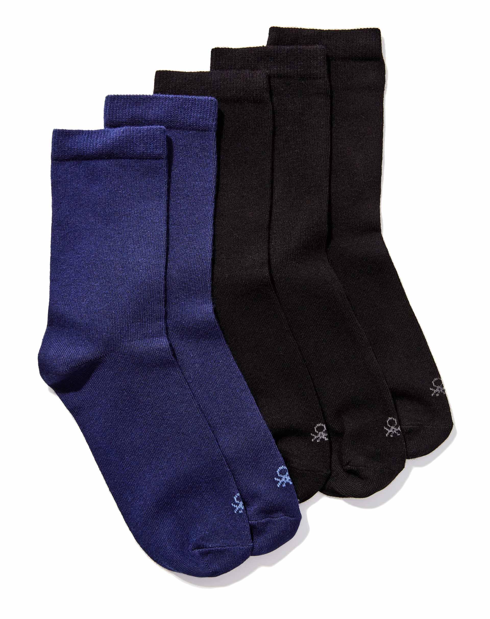 Комплект носков 5 парНижнее белье<br>Комплект носков состоит из пяти пар. Модель выполнена из хлопкового трикотажа с добавлением синтетических волокон для большей износоустойчивости. Мягкая эластичная манжета в рубчик.<br>Цвет: Черный; Размер: M;