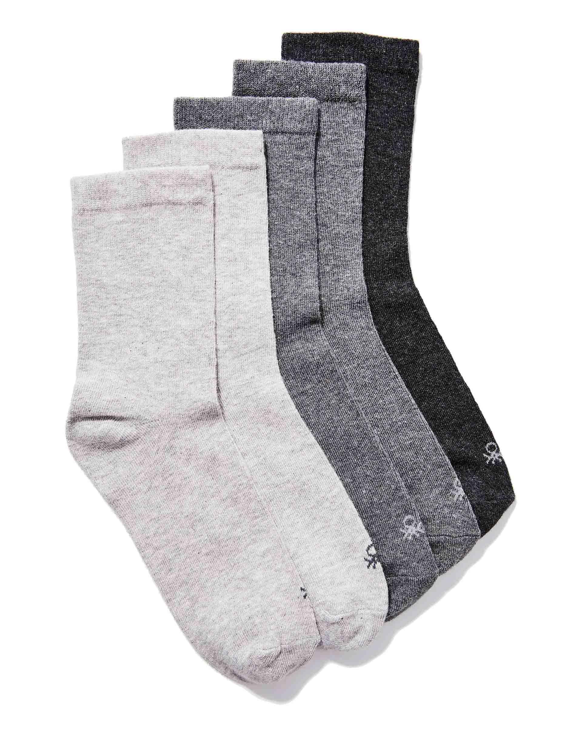 Комплект носков 5 парНижнее белье<br>Комплект носков состоит из пяти пар. Модель выполнена из хлопкового трикотажа с добавлением синтетических волокон для большей износоустойчивости. Мягкая эластичная манжета в рубчик.<br>Цвет: Серый; Размер: M;
