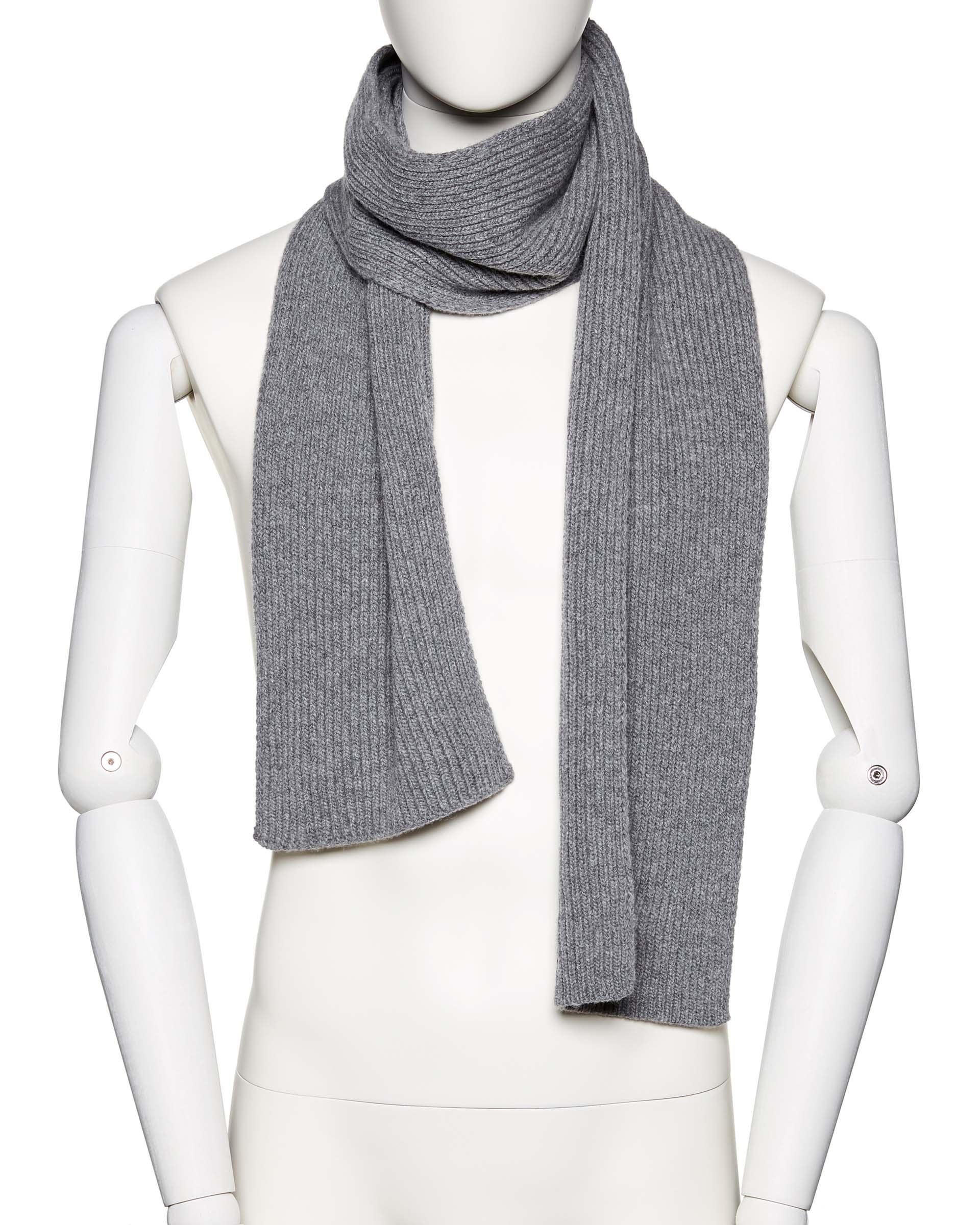 ШарфПлатки и Шарфы<br>Вязаный шарф из шерстяной пряжи. Фактура в рубчик, универсальный размер. Размеры: 180*17 см.<br>Цвет: Серый; Размер: OS;