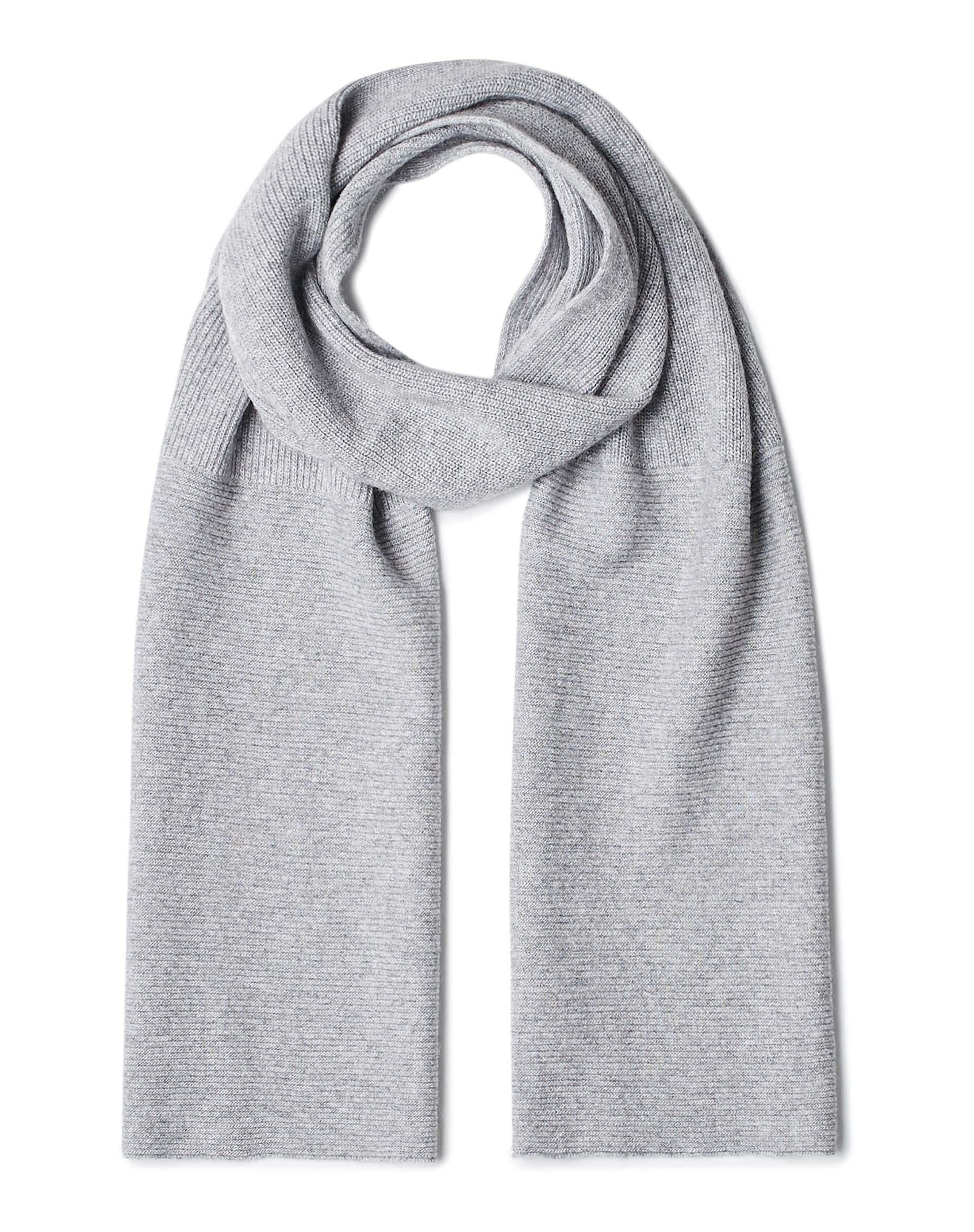 ШарфПлатки и Шарфы<br>Вязаный шарф из полушерстяной пряжи. Фактура в рубчик, универсальный размер. Размеры: 190*27 см.<br>Цвет: Серый; Размер: OS;