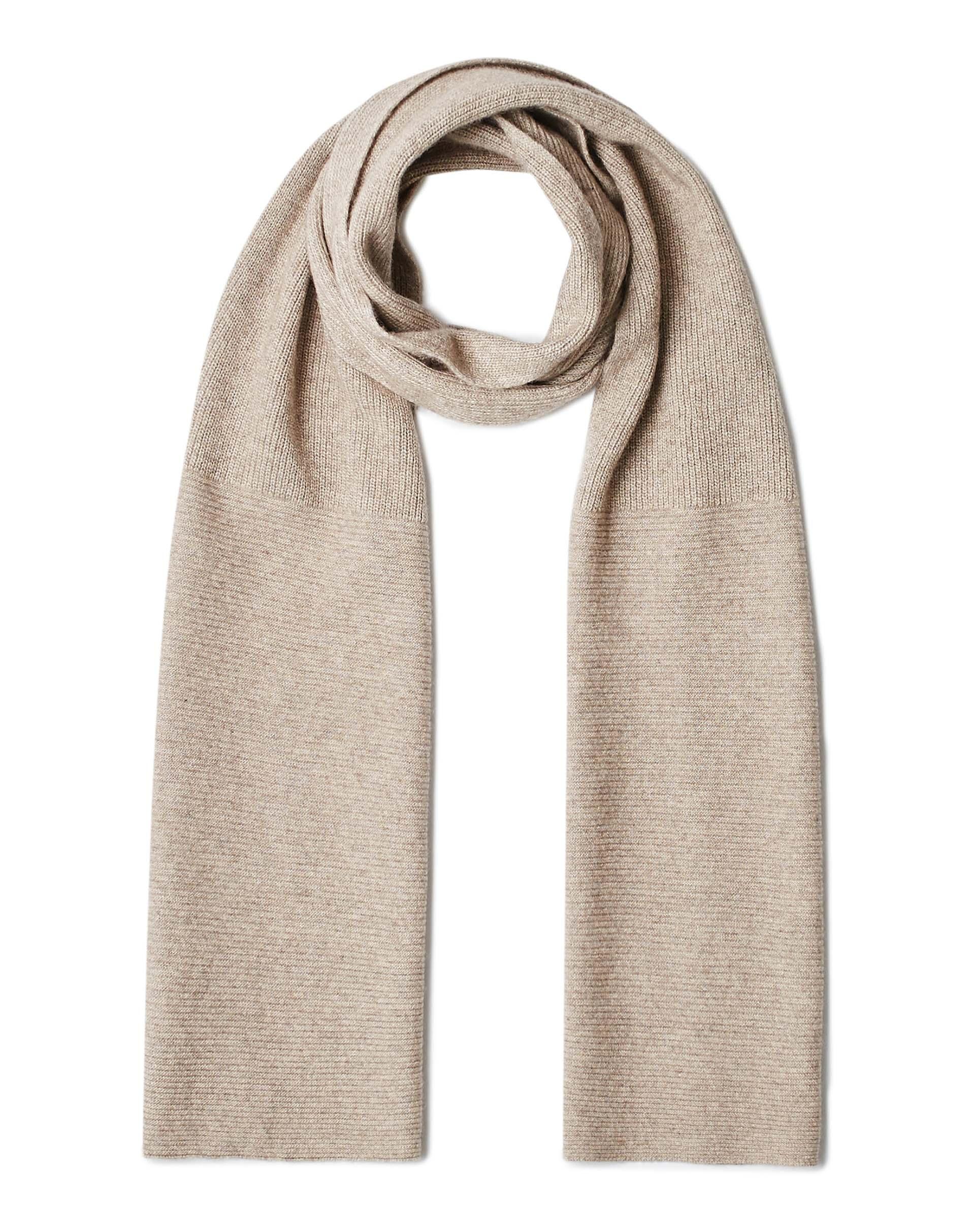 ШарфПлатки и Шарфы<br>Вязаный шарф из полушерстяной пряжи. Фактура в рубчик, универсальный размер. Размеры: 190*27 см.<br>Цвет: Бежевый; Размер: OS;